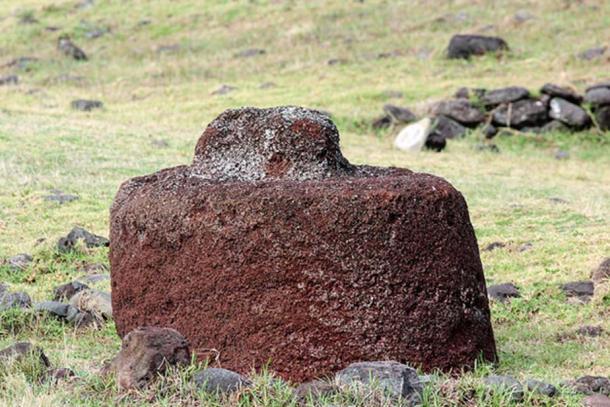 Pukao à Vinapu, Rapa Nui. (CC BY-NC 2.0)