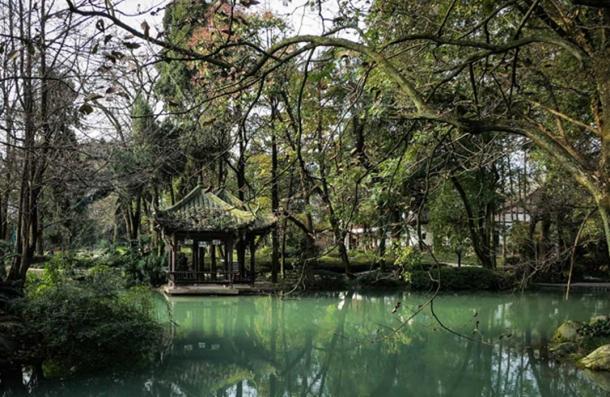 Dujiangyan aide les humains à contrôler l'écoulement de l'eau de manière plus naturelle.