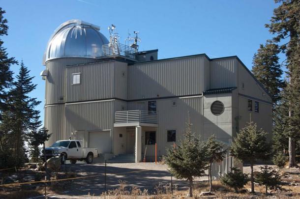 Le télescope VATT (Vatican Advanced Technology Telescope), le principal télescope de l'Observatoire du Vatican.