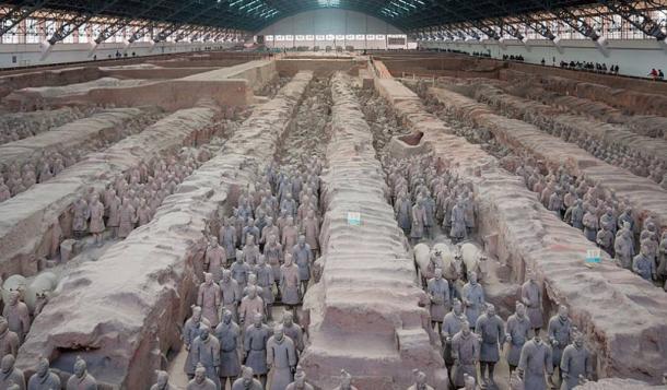 Xian, Chine : Fosse n°1 du Musée de l'Armée de terre cuite.