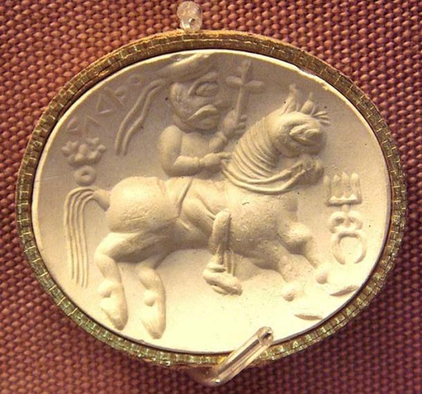 Kushan divinité Adsho (phoque cornaline). British Museum.