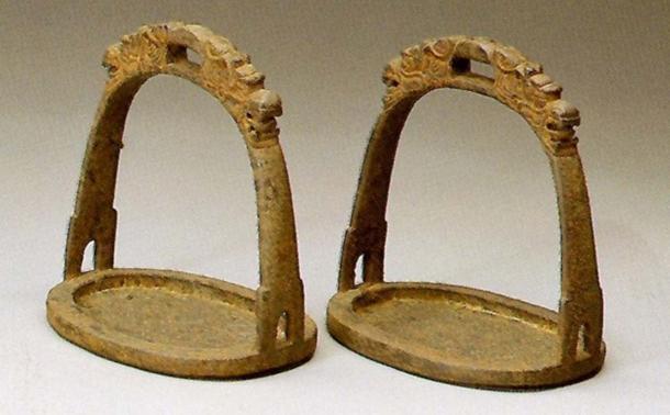 Etriers de cheval mongol.