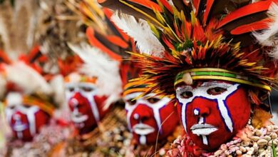 Traditional ceremonial dress at Mount Hagan, Papua New Guinea.
