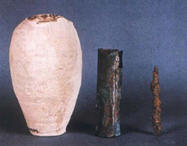 Trois pièces de la batterie de Bagdad.