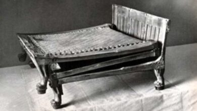 Photo of camping bed found in Tutankhamun tomb. By Harry Burton