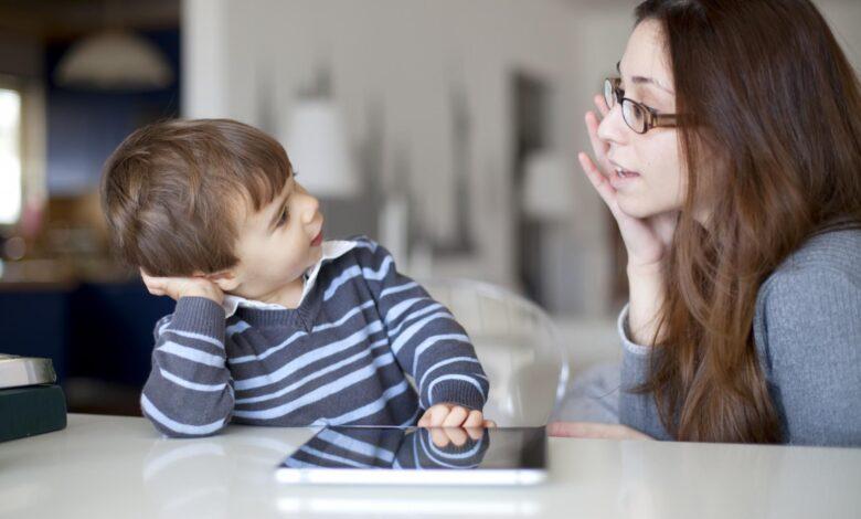 Apprendre aux enfants comment et quand utiliser Inside Voices