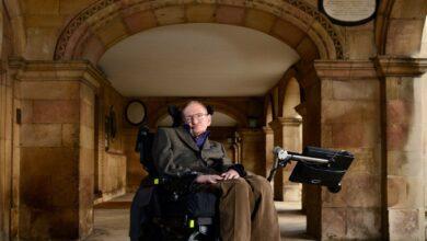 Biographie de Stephen Hawking, physicien et cosmologue