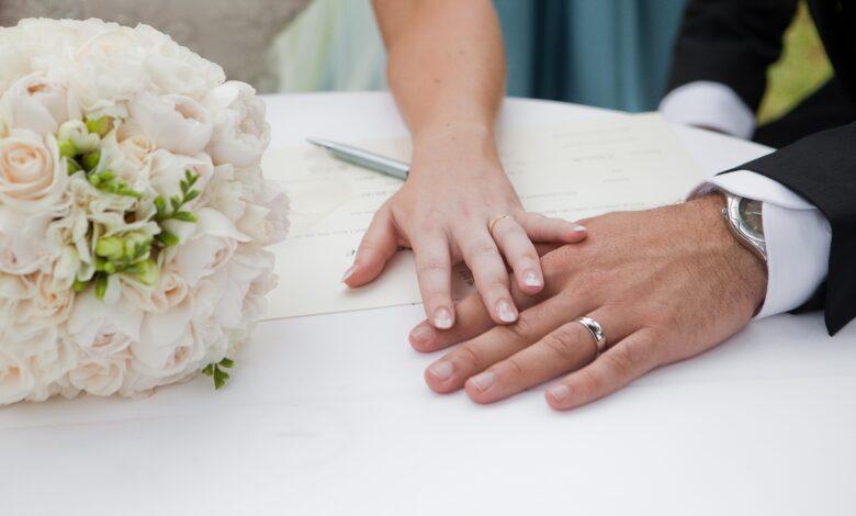 Comment le fait de se remarier affecte-t-il la pension alimentaire ?