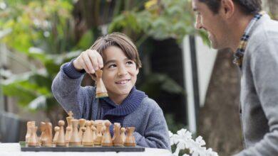 Laisser les enfants gagner ou jouer pour gagner