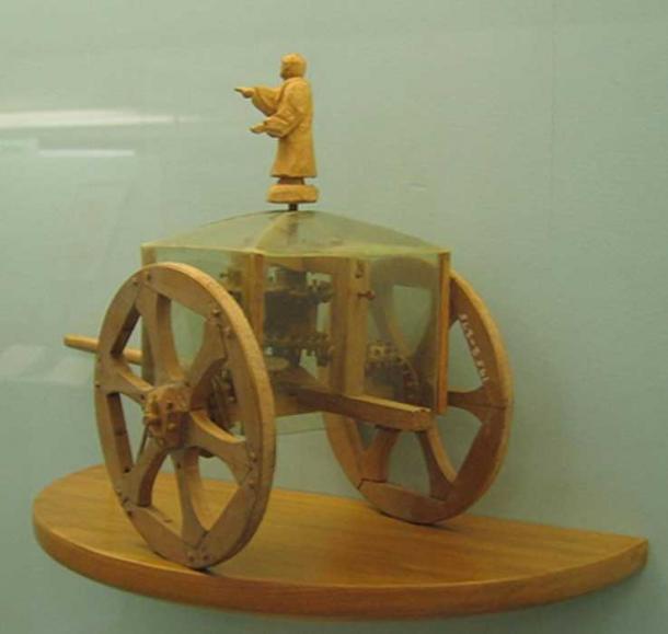 Modèle d'un char chinois de pointage vers le sud, un des premiers appareils de navigation utilisant un engrenage différentiel.