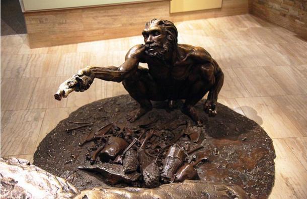 Statue en bronze de l'homme Homo heidelbergensis, Musée Smithsonian, Washington D.C., États-Unis