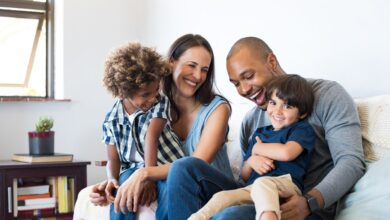 Les parents ont-ils vraiment un enfant préféré ?