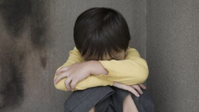 Pourquoi crier peut être aussi nocif que donner une fessée