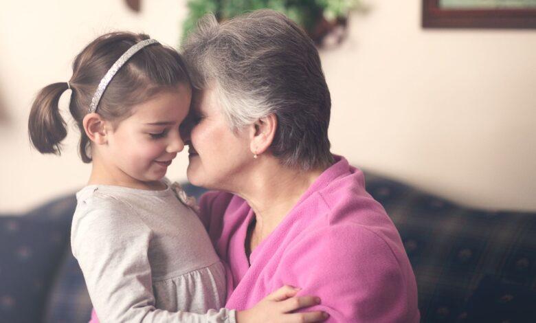 Pourquoi vous ne devez jamais faire en sorte que votre enfant embrasse quelqu'un