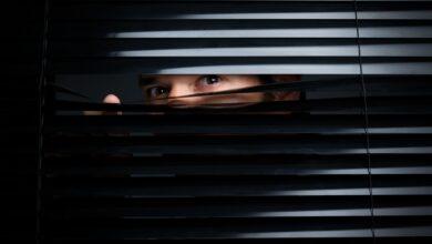 Qu'est-ce que le trouble voyeuriste ? Définition et implications