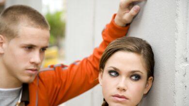 Signes d'une relation émotionnellement abusive avec un adolescent